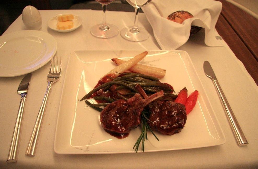 Et si on pouvait commander un repas de Classe Affaires, avec supplément, quand on voyage en Classe Eco?