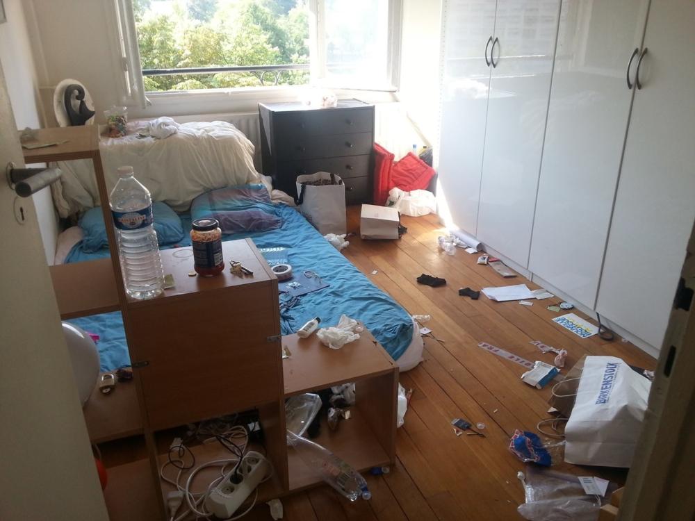 Et si la SNCF faisait une campagne du type : est-ce cela ressemble à votre chambre? Alors pourquoi votre gare...(foutre la honte ça marche!)