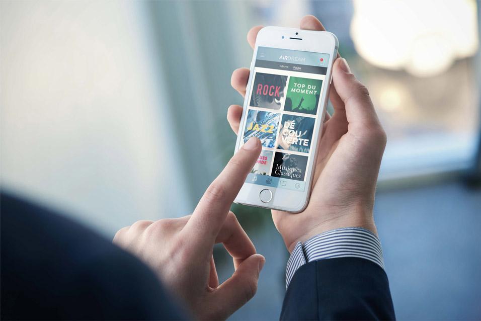 Et si on proposait aux voyageurs un service pour streamer en local des films, de la presse, des jeux... http://www.interactive-mobility.com