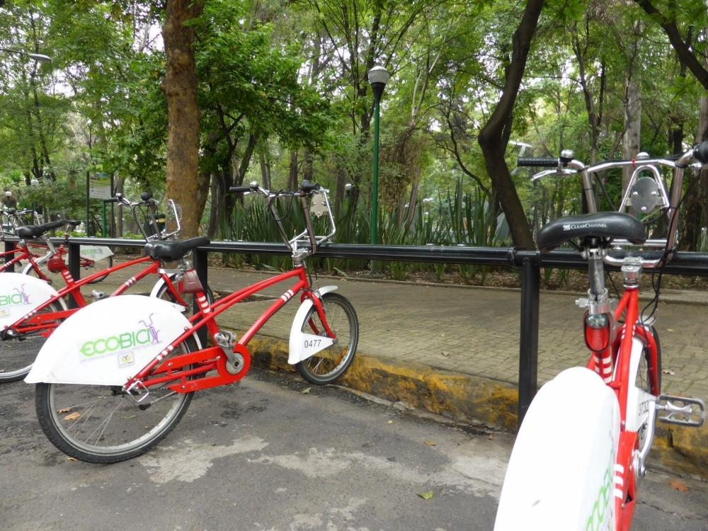 Et si on changeait les Velib pour des vélos plus solides, plus légers et plus colorés?