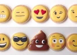 """Et si La Cookiterie créait sur son site un espace """"Spécial Geek"""" où l'on pourrait acheter et offrir des cookies en forme d'émoticônes ?"""