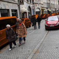 """Et si Allianz soutenait les associations de prévention des accidents comme """"Trottoirs Libres"""" à Besançon; pour faire de la pédagogie auprès des automobilistes qui stationnent sur les trottoirs, en infraction (R 417-11); augmentant les risques d'accidents corporels pour les piétons ?"""