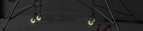 En effet, nous étudions des solutions simples, basiques pour améliorer la visibilité de nos échafaudages en milieu sombre. Notre première avancée sont les roues phosphorescentes sur notre gamme Altitude: